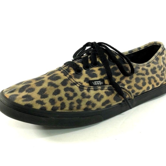 952912a453 Vans Unisex Black Brown Animal Print Sneakers. M 5b7db93604e33d9d1de5822b